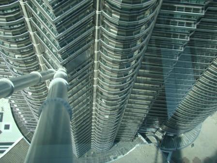 Olhando npara baixo na Torre petronas