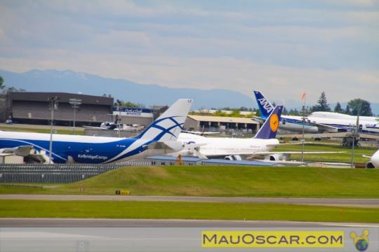 Visitando a maior fábrica de aviões do mundo Avic3b5es-no-pc3a1tio-da-fc3a1brica-da-boeing