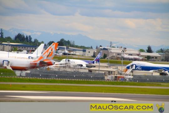 Visitando a maior fábrica de aviões do mundo Primeiro-avic3a3o-787-da-lan-chile-pronto-durante-nossa-viaita-a-boeing