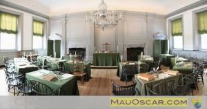 Panorâmica da sala onde a declaração de independencia dos EUA e a Constituição foram criadas