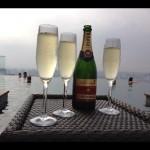 Marina Bay Sands - Champaghe para celebrar o momento à beira da piscina mais alta do mundo